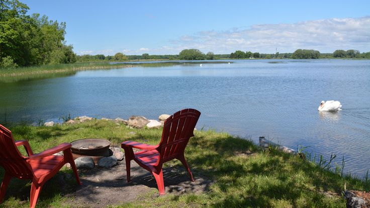 Relaxing at Log Cabin Point - Photo thanks to Log Cabin Point Cabins & Cottages logcabinpoint.com