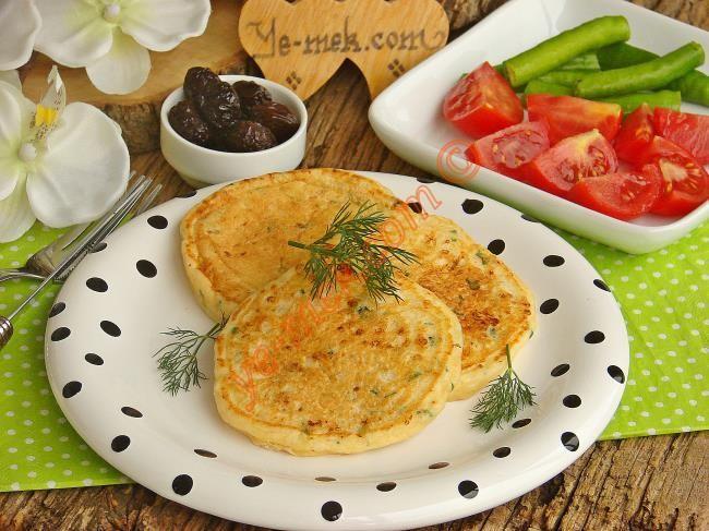 Kahvaltılık Peynirli Pofuduk Pankek nasıl yapılır? Kolayca yapacağınız Kahvaltılık Peynirli Pofuduk Pankek tarifini adım adım RESİMLİ olarak anlattık. Eminiz ki