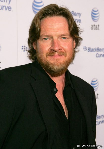 Donal Logue His son is still missing, if anyone has any information about the boy or his whereabouts, please contact the police. Let's bring his son home.