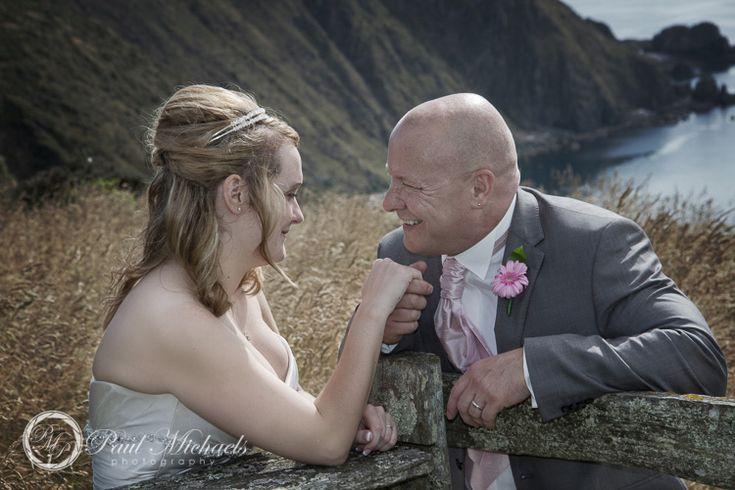 Wedding couple at boomrock. PaulMichaels wedding photographers in Wellington. http://www.paulmichaels.co.nz/