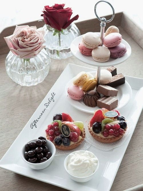 I love the rectangle plate with the little dessert tiers on it.