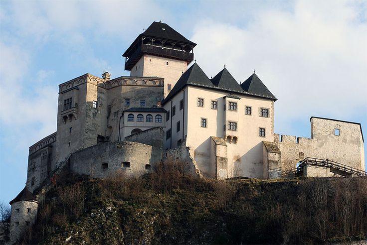 http://slovaktravelguide.sk/wp-content/uploads/2014/10/10_Trenciansky-hrad_01.jpg