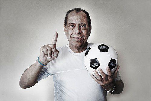 Morre Carlos Alberto Torres, o Capitão do Tri na Copa do Mundo de 1970 - http://po.st/Tzx0gb  #Setores - #Capitão, #Jogador, #Seleção