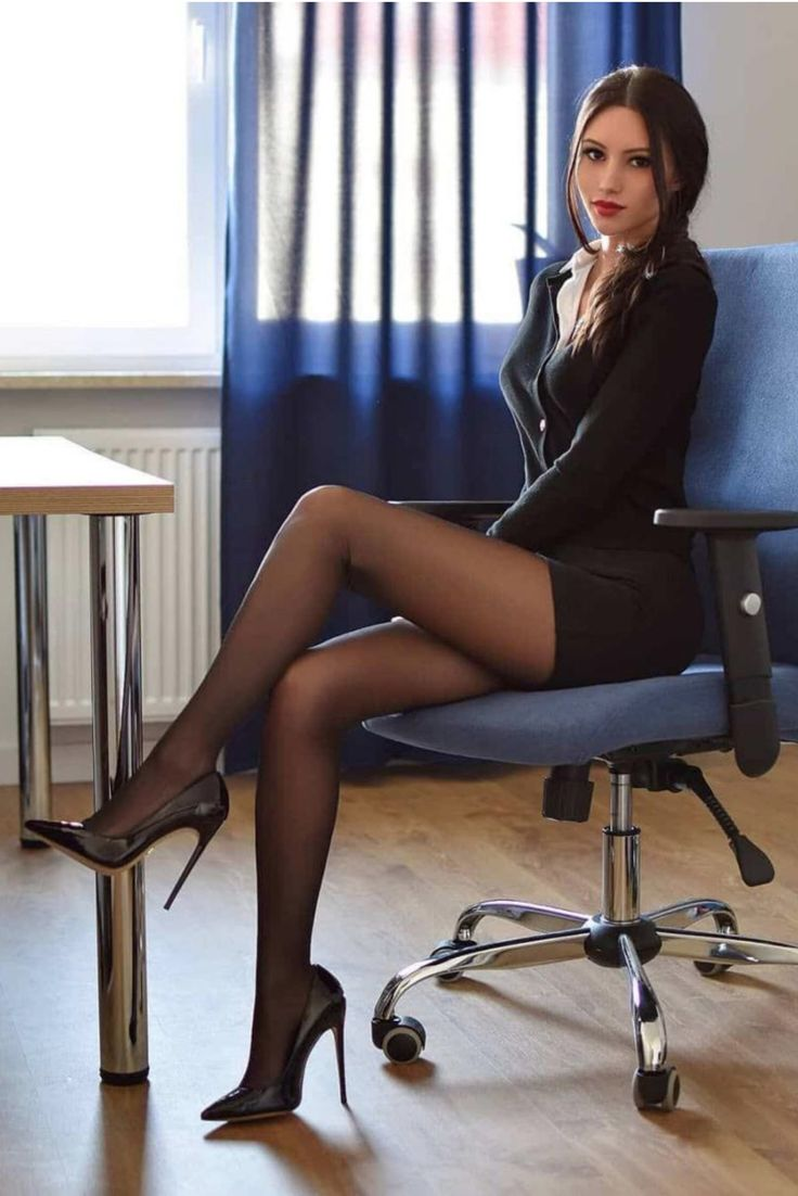 Pin on High heels Secretary ️