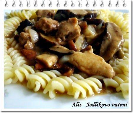 Jedlíkovo vaření: Houbový guláš se sojovým masem