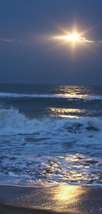Moon Shine over the Ocean (maybe NJ, maybe not, but I'm sure it happened at some point here) Beautiful!