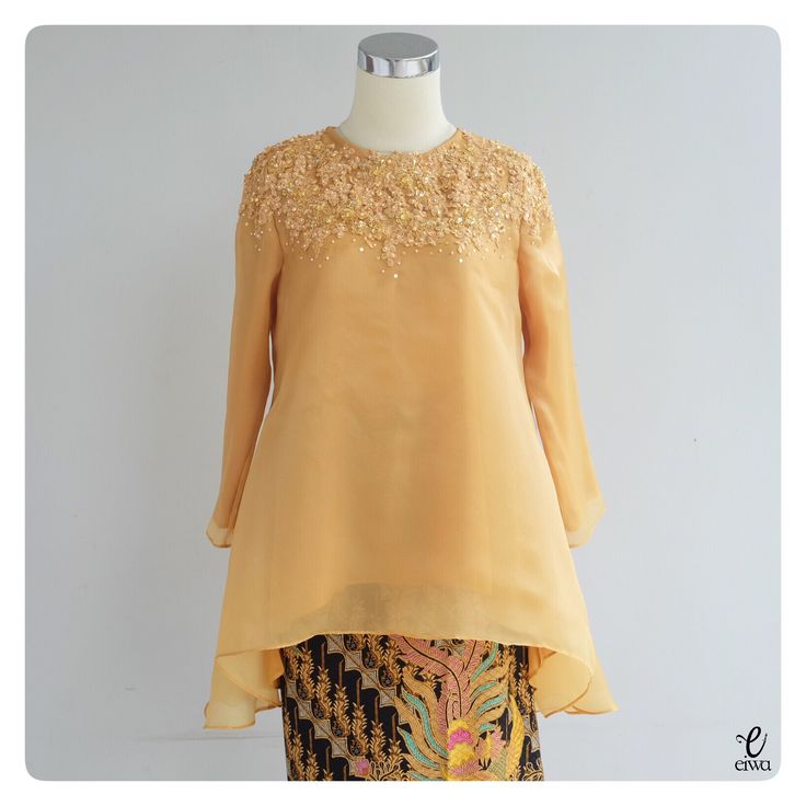 simple long sleeve lace top, kebaya modern indonesia brokat http://www.eiwaonline.com baju bodo bajubodo organdi organdy organza applique tulle cornelly