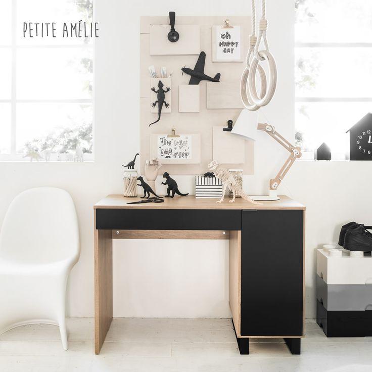 Simple Noir tiener- en kinderbureau: stoel, praktisch en super stylish! In onze webshop vind je 'm naast onze andere bureaus en tienerkamer producten.