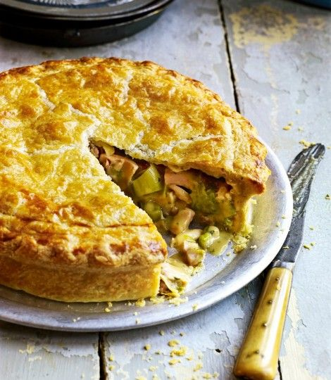 Roast chicken ham and leek pie