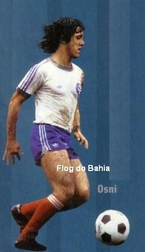 Osni teve uma trajetória de sucesso no Bahia, marcando muitos gols e ganhando diversos títulos  Osni jogou muita bola com a camisa rubro-negra, ganhou 2 Bolas de Prata de Placar como o melhor ponta-direita dos Campeonatos Brasileiros de 72 e 74, mas só ganhou 1 campeonato, foi no Bahia que se tornou um vencedor e colecionou vários títulos.