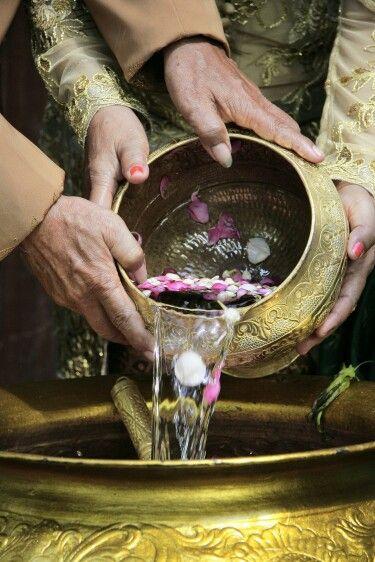 Java traditional wedding (siraman)