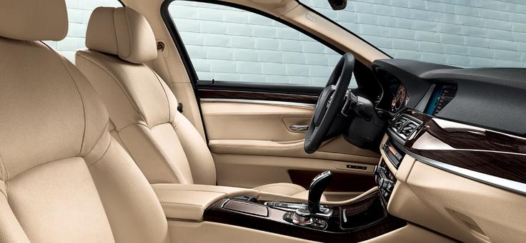 BMW 528i xDrive Sedan  - www.fieldsbmw.com