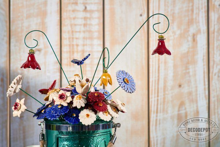 Borcan decorativ şi flori handmade din ceramică. DecoDepot. Brasov. Jar. Decoratives. Glass. Handmade/ Ceramic. Flowers.