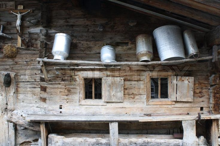 Altes Bauernhaus im Zillertal, Tirol, Austria. Stilluptal im Zillertal. Bauernhaus mit Milchkannen | Stock-Foto | Colourbox on Colourbox, (c) HaKo - Photo