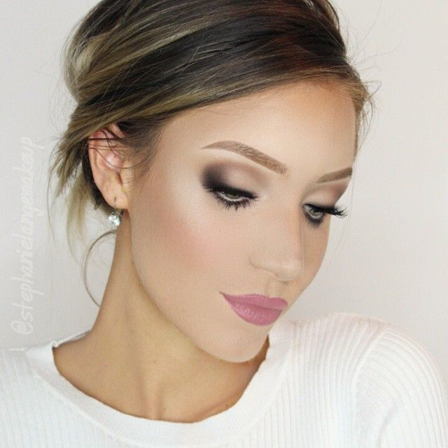 Soft bridal look using the @katvondbeauty Shade and Light Eye Contour Palette and @sigmabeauty brushes! #Vegas_Nay
