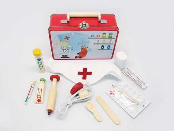 New Wooden Medical Kit Doctor Play Set In Tin Carry Case