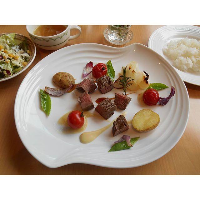 #和歌山カフェ巡り #和歌山市 #カフェ巡り #ホテルアバローム紀の国 #ランチ #肉 #サラダ #野菜 #美味しい #カフェ #カメラ#ミラーレス #カメラ好きな人と繋がりたい #カフェ巡り好きな人と繋がりたい  #cafe #lunch #wakayama #gourmet  #Instagood #Instalove #camera #SONY #α6000 #japan