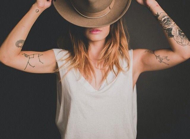 Inspiração: Mulheres com braços tatuados