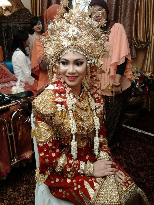 Pakaian pengantin Paksangkong Sukainah Sriwijaya
