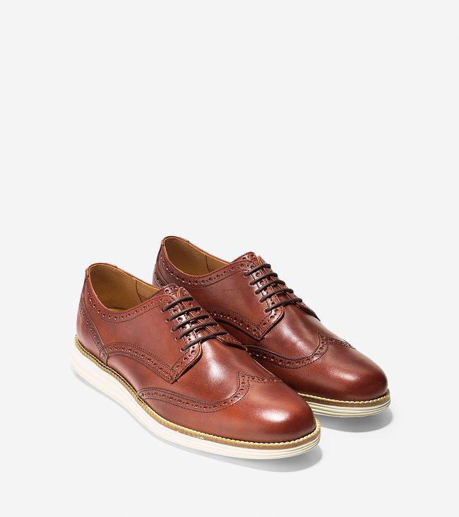 We put the spotlight on the GrandPrø Tennis, ØriginalGrand, ZerøGrand, and  the in this feature on Cole Haan's American Vision of Elegant Innovation.