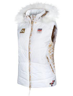 Dámskou vestu vyrobenou speciálně pro olympiádu v Soči ocení i ty nejnáročnější sportovkyně. Je dokonale funkční, s odepínatelnou kapucí, moderního a pohodlného střihu Puffy. Vesta je velice slušivá díky odepínatelné kožešince. Na předním dílu je bunda opatřena olympijským potiskem v barvách českého olympijského týmu.