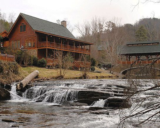 Best 25 pigeon forge cabins ideas on pinterest cabins for Moose creek cabins pigeon forge tn