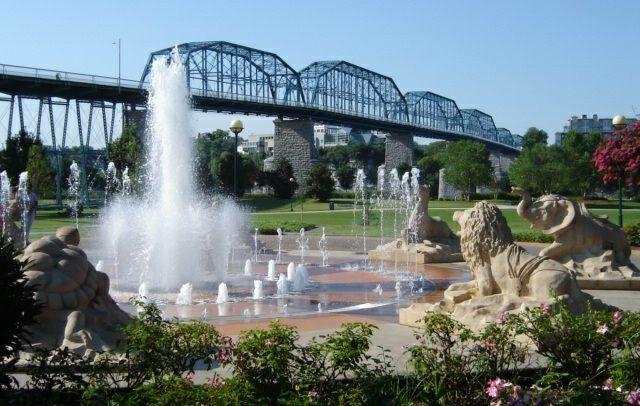 Garden Walk Chattanooga: Coolidge Park, Chattanooga, TN