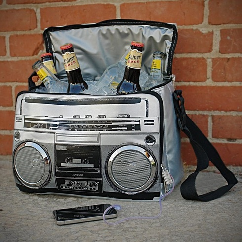 $13 Starting Bid: Super Jam Boom Box Music Cooler (iPod Ready). http://www.outbid.com/auctions/1360#1