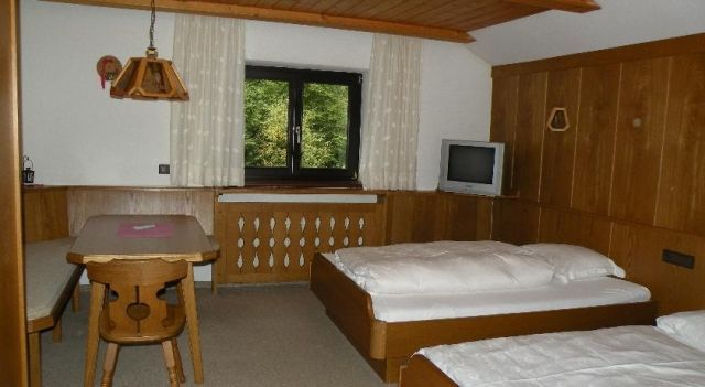 Pension Alpina - #Guesthouses - $81 - #Hotels #Austria #GriesamBrenner http://www.justigo.co.uk/hotels/austria/gries-am-brenner/pension-alpina_42808.html