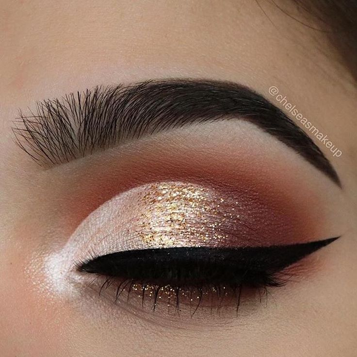 "1,393 mentions J'aime, 6 commentaires - Summer From (@muagems_summerdoll29) sur Instagram : ""from @chelseasmakeup - Haven't used glitter in a while ✨✨ Brows: @anastasiabeverlyhills • dipbrow…"""