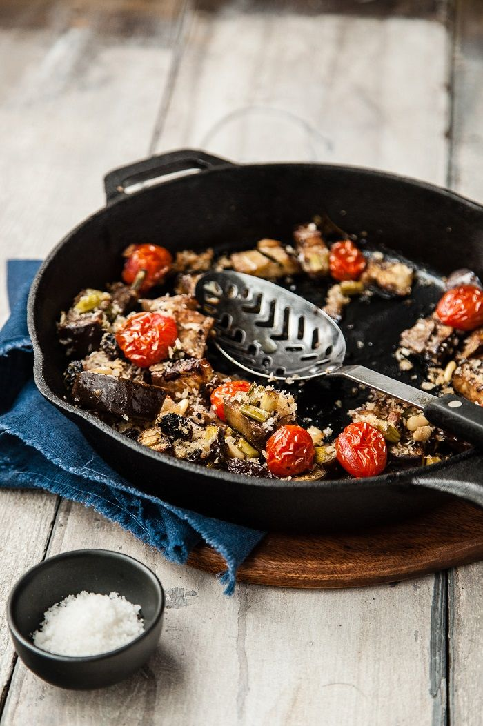 Post image for Jamie Oliver's Aubergine al Forno and Roasted Grapes with Cheese