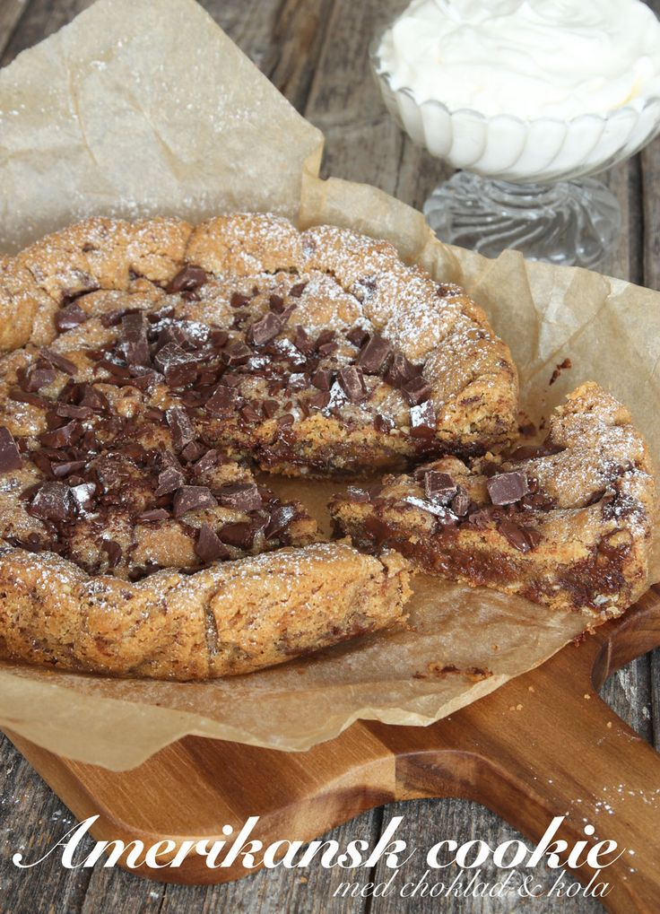 Delicious looking giant chocolate chip cookie with caramel (Dumlekola)!