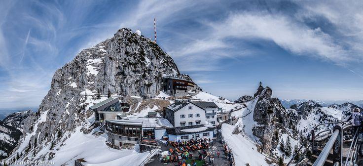 """Der Wendelstein - Gipfel vom Aussichtspunkt """"Gacher Blick"""" aus"""