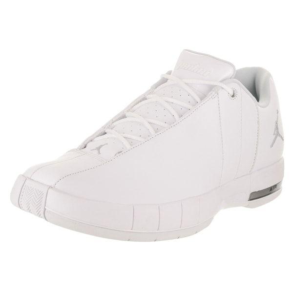 huge discount d3754 8a2a2 Nike Jordan Men's Jordan TE 2 Low Basketball Shoe - Free ...