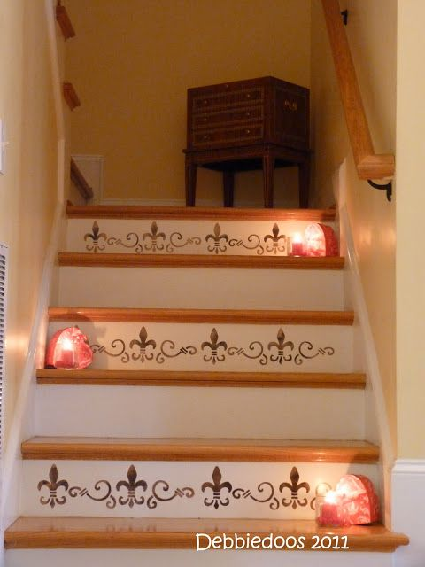 How to stencils stairs - Debbiedoo's - stencil stairway. Fleur de Lis.