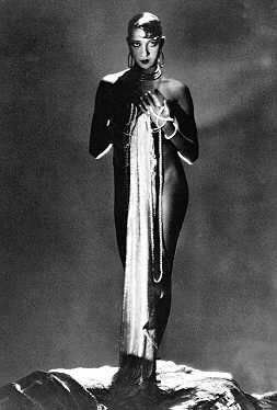 Josephine Baker icon international superstar legend