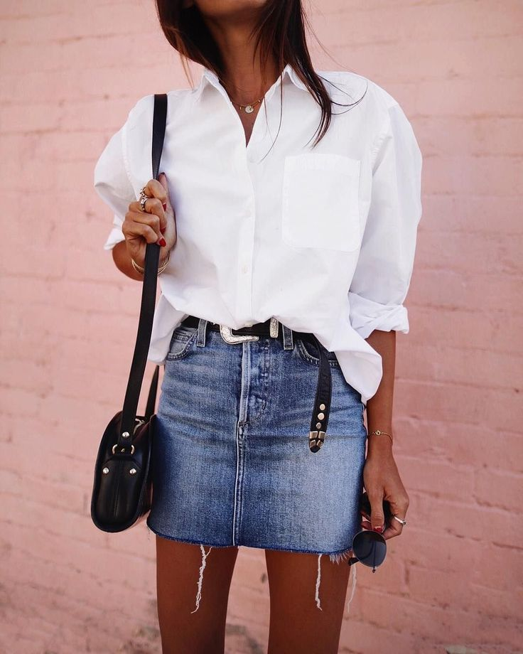 Spring outfit | White blouse | Denim skirt | Belt | Pink wall | Inspiration | Mo…