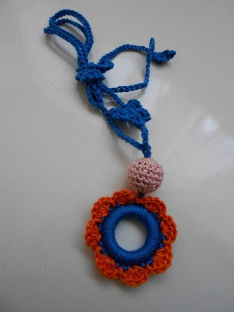 Hordozós nyaklánc - virág, fonAlom, meska.hu crochet teething nursing necklace