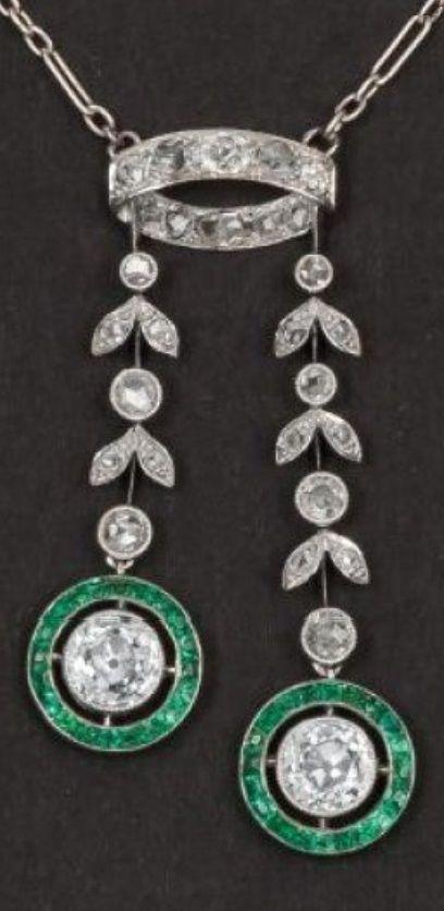 A Belle Epoque white gold, diamond and emerald Negligé necklace, about 1900. #BelleÉpoque #pendant