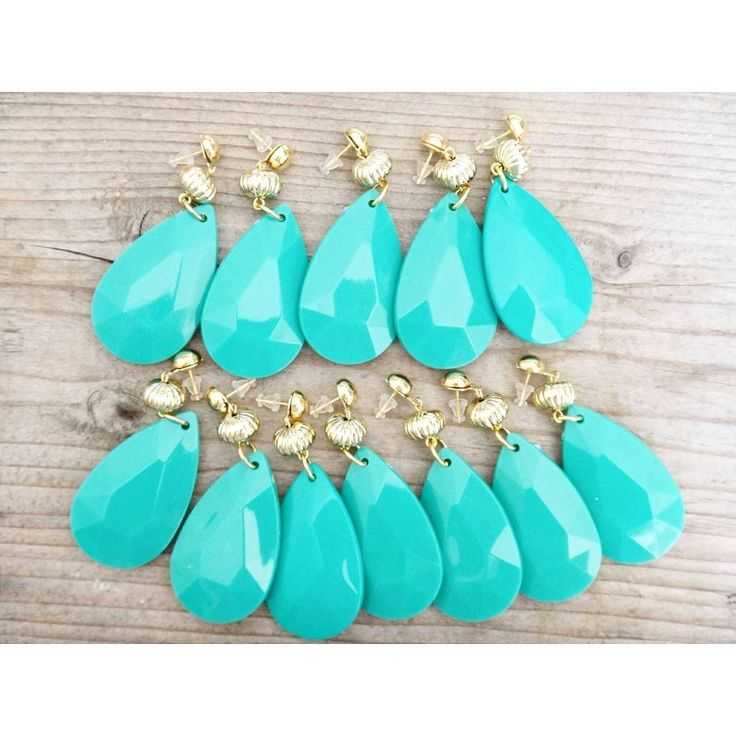 Summer drops ✨ #twiniñas #twininas #summer #drops #earrings #acrylic #green #mint #turquoise #gold #colors #fashion #boho #girls #summergirls #instadaily #instamood #mousastreet #like #jewelry #jewelrygram #jewelrymaking #lovers #etsy #shop