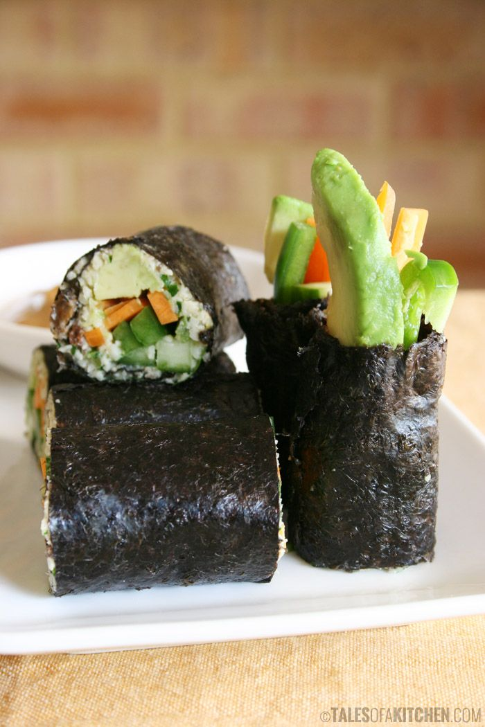 Fresh & crunchy raw vegan nori rolls with a nutty, sweet & spicy sauce. They are SO good!