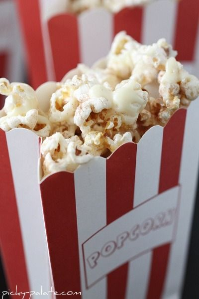 Sniderdoodle popcorn with white chocolate drizzle