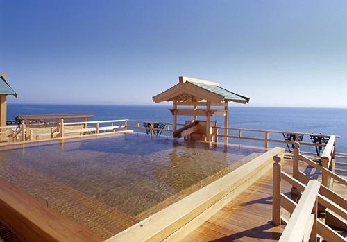 Aichi,Japan  Shuku-kaihuu's  Outdoor hot spring  「粛 海風」(しゅくかいふう)愛知・南知多山海温泉  露天風呂「天上の湯」