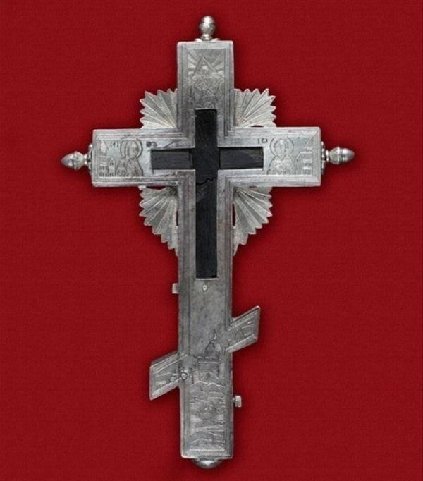 Τίμιο ξύλο από την Ιερά Μονή Σίμωνος Πέτρας Αγίου Όρους. - Holy wood from the Holy Monastery of Simonopetra, Mount Athos.