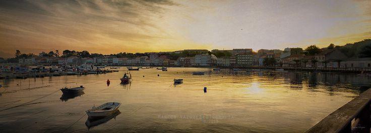Amanecer con texturas Visita  Marcos Vázquez Fotografía en Facebook.  © 2013 Marcos Vázquez  Todos los derechos reservados  #Amanecer #Canon EOS 7D #España #Galicia #Harbour #Landscape #Muelle #Mugardos #Pano #Panoramica #Rise #Textura #Sunrise