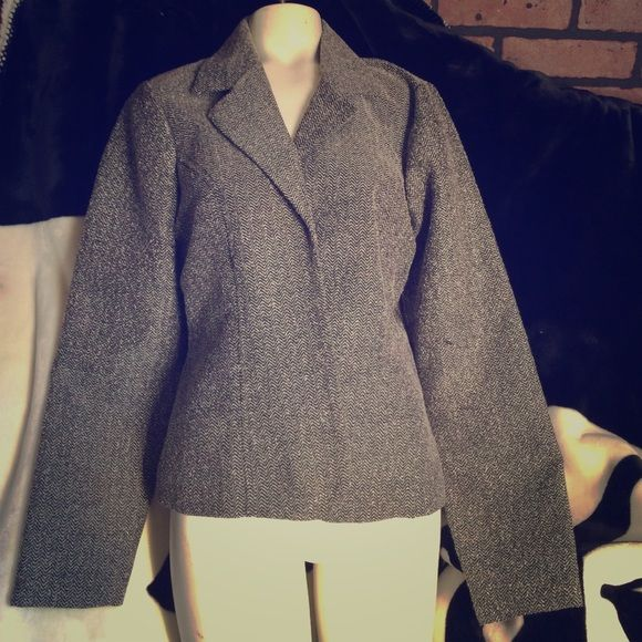 🌺 Super cute blazer size 13 What is your size 13 by faith love the passion had a talk around in the front but that come apart so I've been using a brooch on it any pretty. Brooch you make this pop Faith love passion Jackets & Coats Blazers
