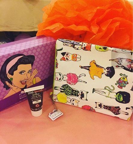 Hayat Reçeli: Kozmetik, Makyaj, Bakım ve  Kadın Bloğu: #renginibul Etkinliğinde Mutluluk Kutusu Lila Kutu...