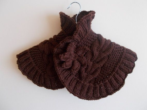 neck warmer with brooch