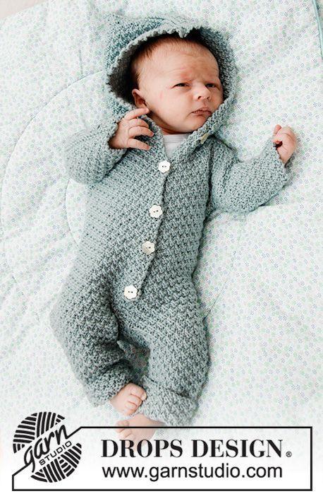 Free Knitting Pattern für einen Babysuit wirklich wollig mit Kapuze