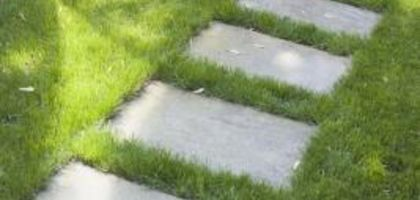 How to Set Flagstone in Grass | eHow